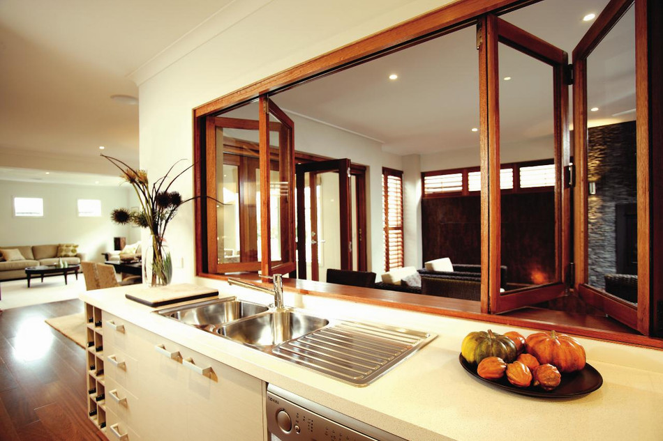Дизайн интерьера окно из кухни в гостиную