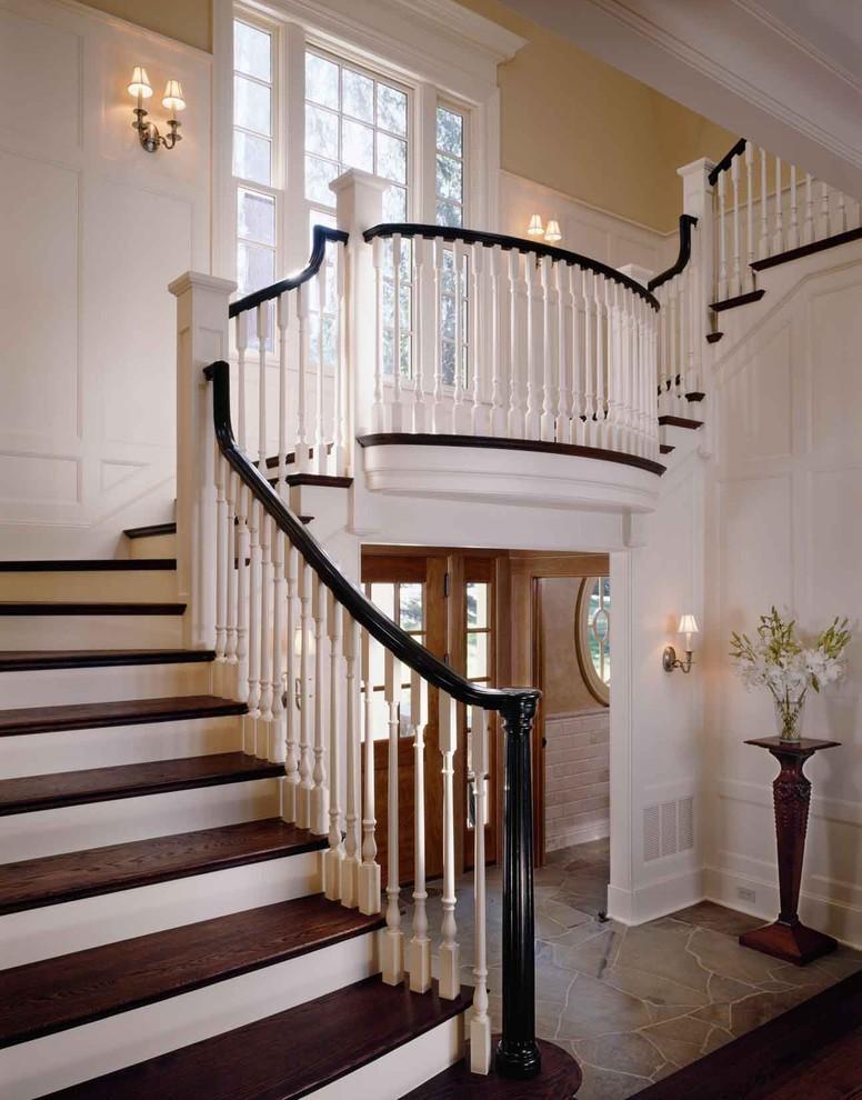 Лестница в доме дизайн фото